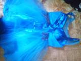 Rochie de vânzare, Albastru