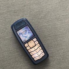 NOKIA 3100 vintage de colectie - telefon simplu cu butoane - tine incarcat