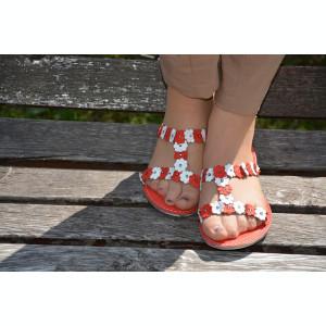 Papuc femei, accesorizat cu floricele si cristale