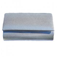Poseta de seara in nuanta de argintiu, gen plic din material fin