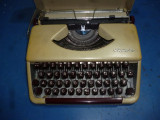 Masina de scris portabila Olympia