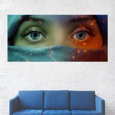 Tablou Canvas, Fata cu Ochi Albastri - 60 x 120 cm