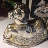 Pusculita cal placata cu argint Juwellers Collection, Statueta