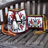 Set genti crosetate ornamentate cu motivul popular din Bucovina gura-leului