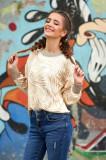 Pulover SunShine crem casual scurt tricotat cu croi larg cu aplicatii cu paiete decolteu la baza gatului