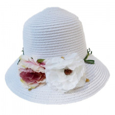 Palarie de vara la moda, model elegant in nuanta de alb fin