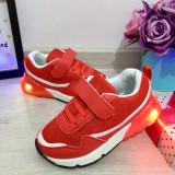 Cumpara ieftin Adidasi rosii cu lumini LED si scai pt baieti / fete 25