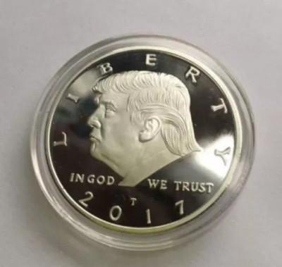 Moneda colectie comemorativa aurie Donald Trump 2017 USA foto