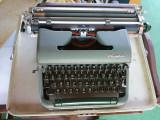 masina de scris OLYMPIA