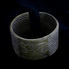 Bratara africana din bronz