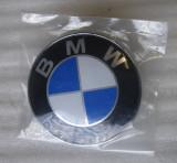 EMBLEMA SIGLA LOGO BMW E46 E90 SERIA 3 5 X CAPOTA PORTBAGAJ 82MM + 2X 11MM CHEIE