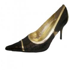 Pantof casual-elegant, de culoare maro, model cu varf ascutit