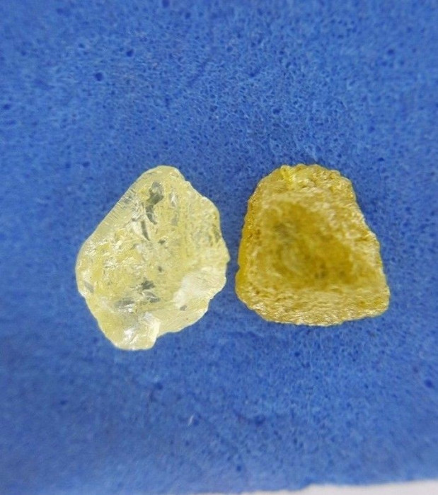 Diamant natural neslefuit pereche 1.11 ct