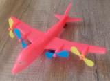 Avion, jucarie romaneasca din plastic