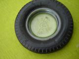 Scrumiera sub forma de roata de masina