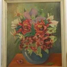 FLORI - tablou in ulei, cu rama, semnat, vechi
