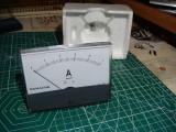 Ampermetru analogic Monacor, panou, curent, 1ADC, dimensiuni mari 11cm x 8cm