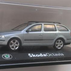 Macheta Skoda Octavia 2 Break  (grey stone) - Abrex 1/43 Combi