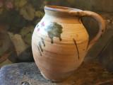 Arta si Traditie - Veche oala / vas cu maner din zona olteniei !