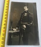 Ofițer decorat cu Ordinul Coroana României