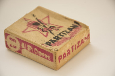 Tigarete Partizani - sigilat in pachetul original - din anii '40 foto
