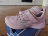 Adidasi fete Skechers