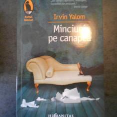 IRVIN YALOM - MINCIUNI PE CANAPEA