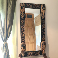 Oglinda balineza ,rama sculptata in lemn,cu masti in basorelief,dimensiuni mari