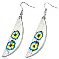 Cercei din material FIMO - lacrimă albă, flori albastre