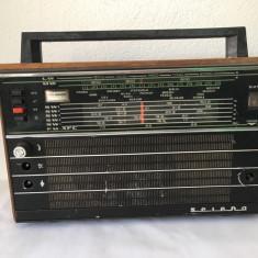 Radio vechi Selena, URSS, nefunctional, de decor sau pentru piese de schimb
