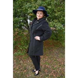 Palton casual-elegant in nuanta de negru, cu interior captusit