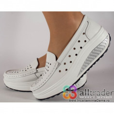 Pantofi albi perforati, piele naturala, talpa convexa dama/dame/femei (cod AC020-51)