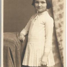 Fotografie portret fetita studio Angelo Oradea poza veche interbelica