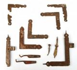 Lot coltare Feronerie veche geamuri taranesti lucrate manual la forja