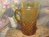 Vintage / Design - Cana / Carafa din sticla veche model si culoare deosebita !