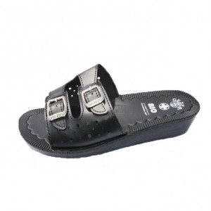 Papuc perforat, cu barete reglabile, pe nuante de bej, alb si negru