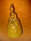 B806-Clopotel chemat servitoarea vechi din alama masiva gen bronz.