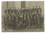 Fotografie veche de grup cu elevi și profesori, cls. II B, Italia