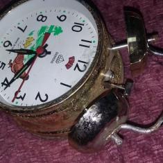 Ceas vechi de masa DIAMOND,Sonerie sus,ceas de colectie,ceas Defect,T.GRATUIT