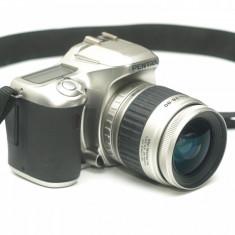 Dslr Pentax *Ist D S cu obiectiv Pentax 28-90mm