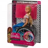 Papusa Barbie Fashionistas, In scaun cu rotile