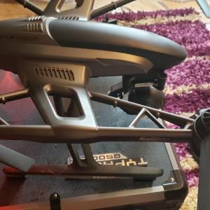 Drona profesionala typhoon q500