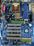 Placa de baza Gigabyte K7 Triton - socket a  +procesor Athlon XP 2000+ + 512ddr1