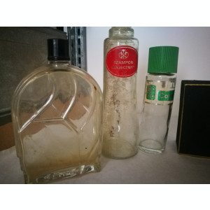 Sticlute vechi de parfum,sampon,etc.