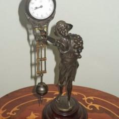 Elegant ceas Junghans de birou din bronz cu pendul