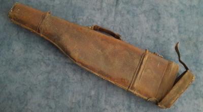 toc vechi din piele pentru arma de vanatoare foto