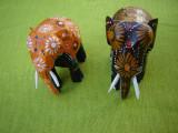 Frumosi 2 elefanti sculptati in lemn