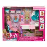 Papusa Barbie - Set de joaca o zi la salonul spa