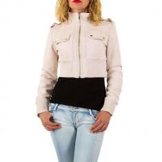 Jacheta scurta, de culoare roz