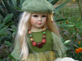 Cumpara ieftin Angela, papusa de colectie din portelan, H-70 cm